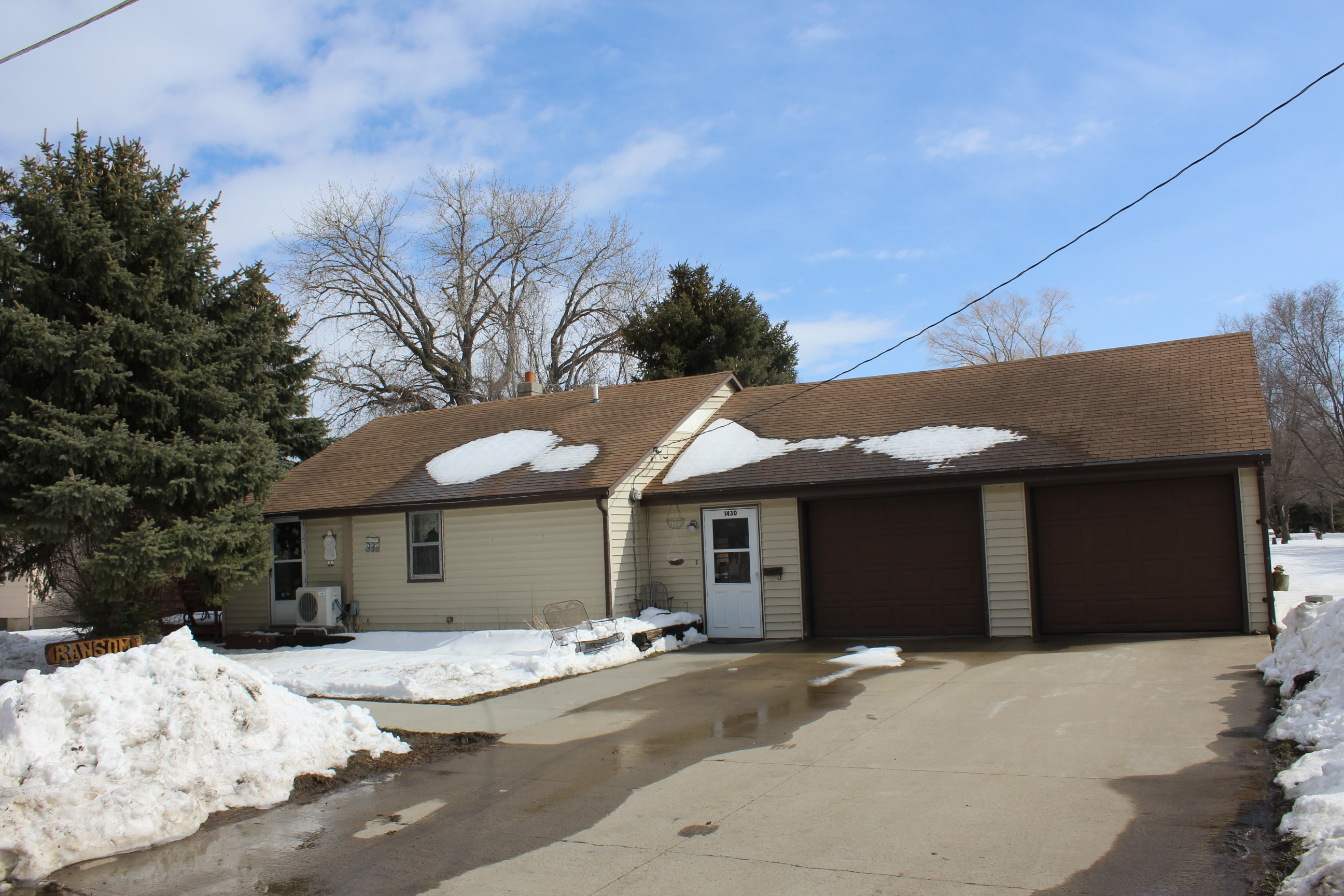 May 8, 6pm – 1430 3rd St SW, Huron – House Auction