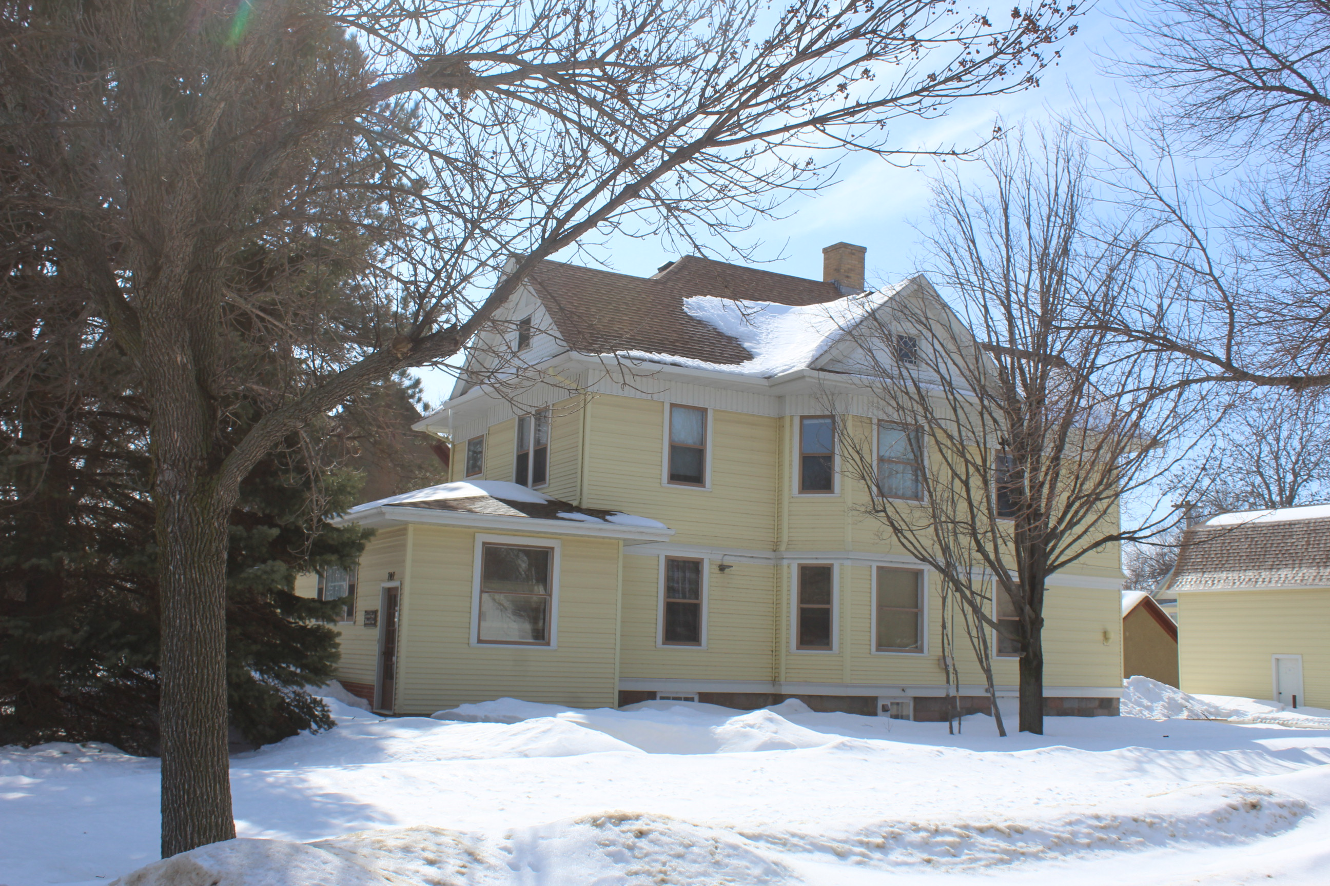3/27 YWCA of Huron Buchanan House Contents Online Only Auction