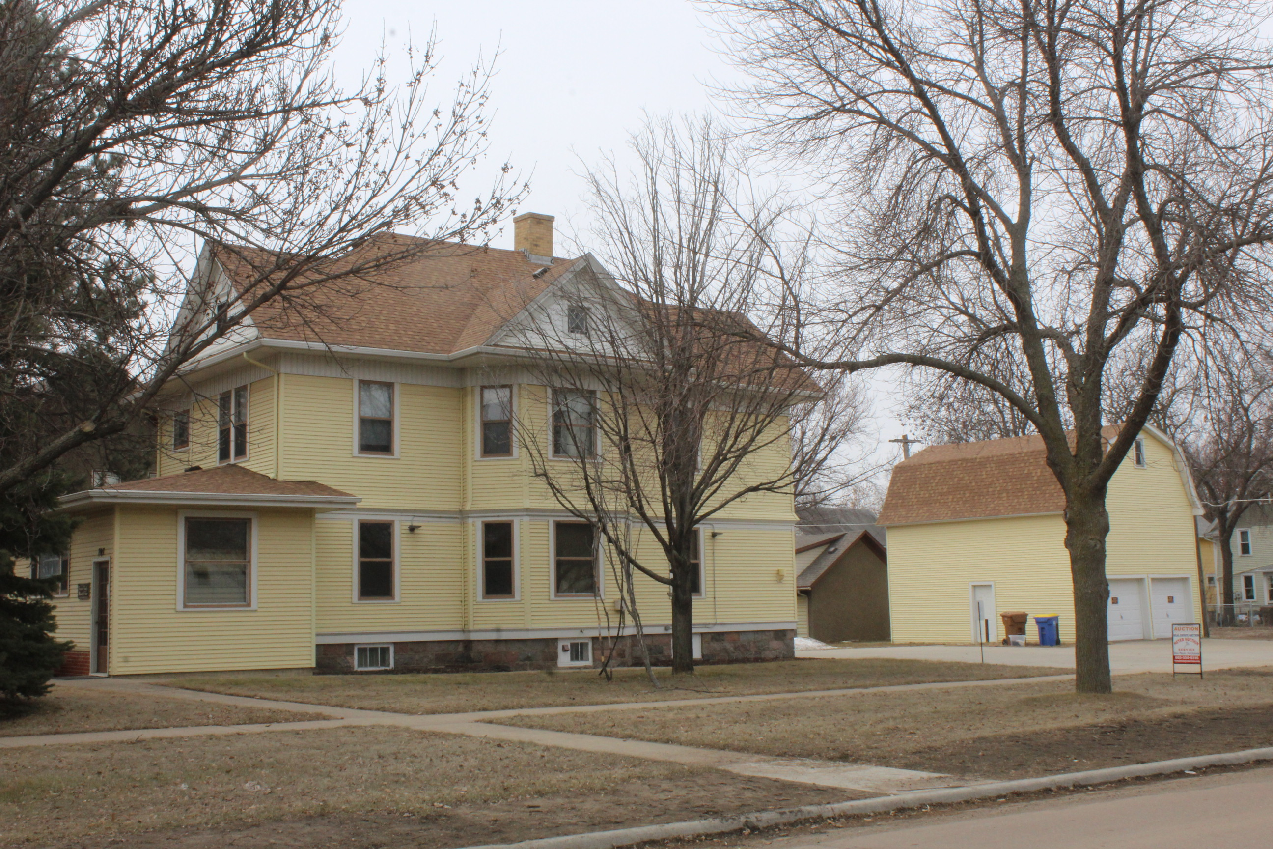 May 7th Historic House Auction  707 Dakota Ave S