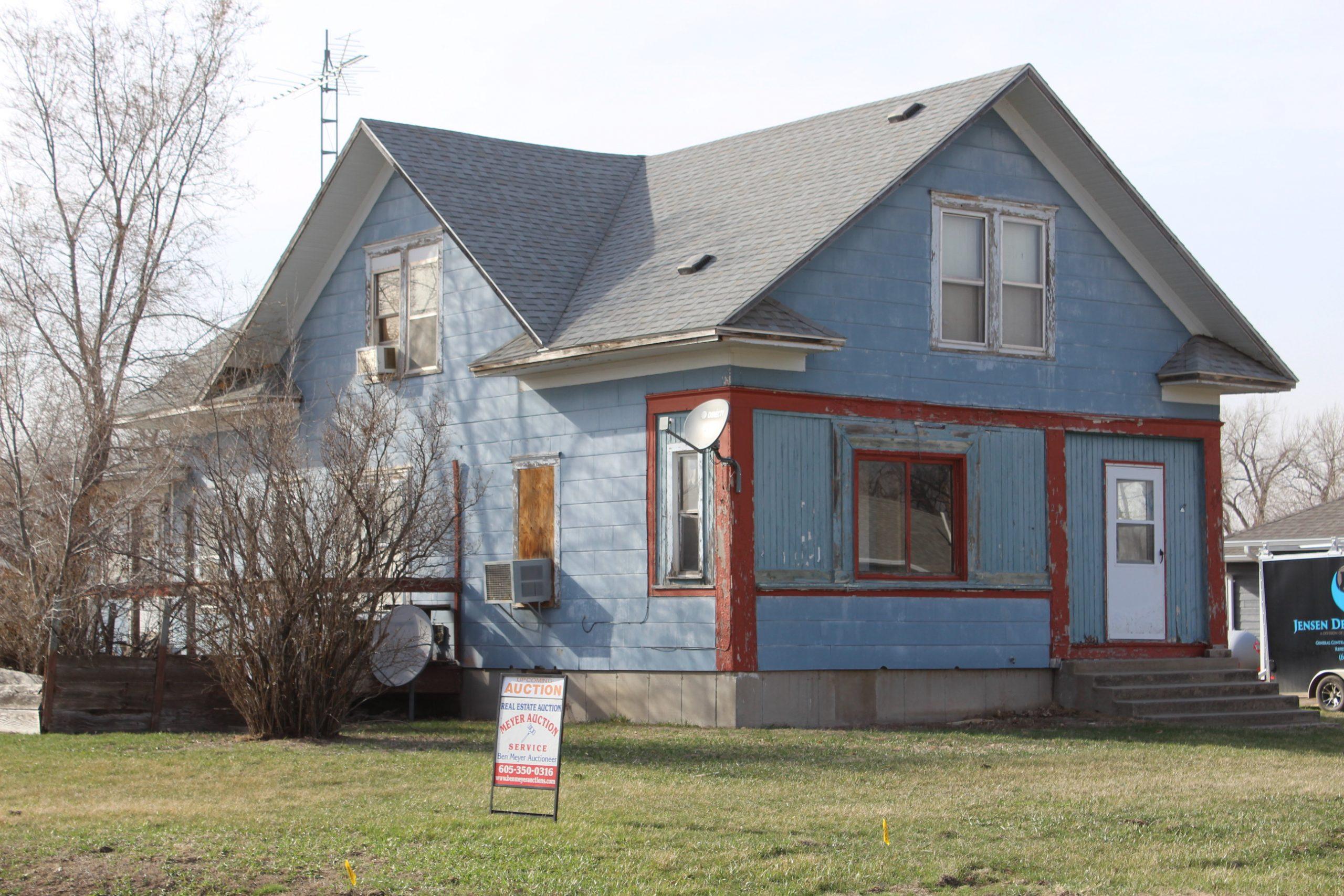 4/8/21 Real Estate Auction  –                      275 Pennington Ave SW Huron, SD 57350