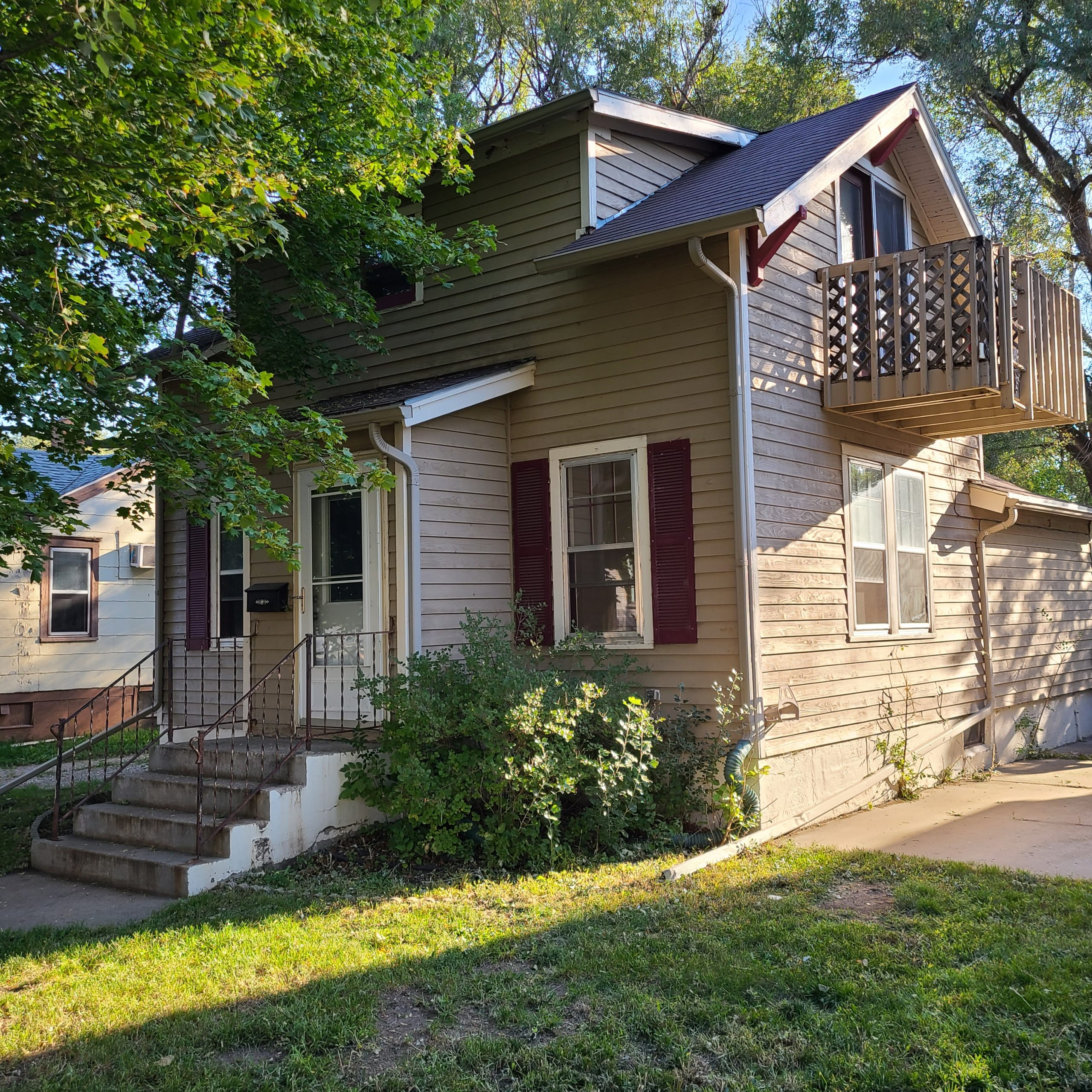 Oct 19th 1pm Huron SD Home Auction 628 Simmons Ave SE